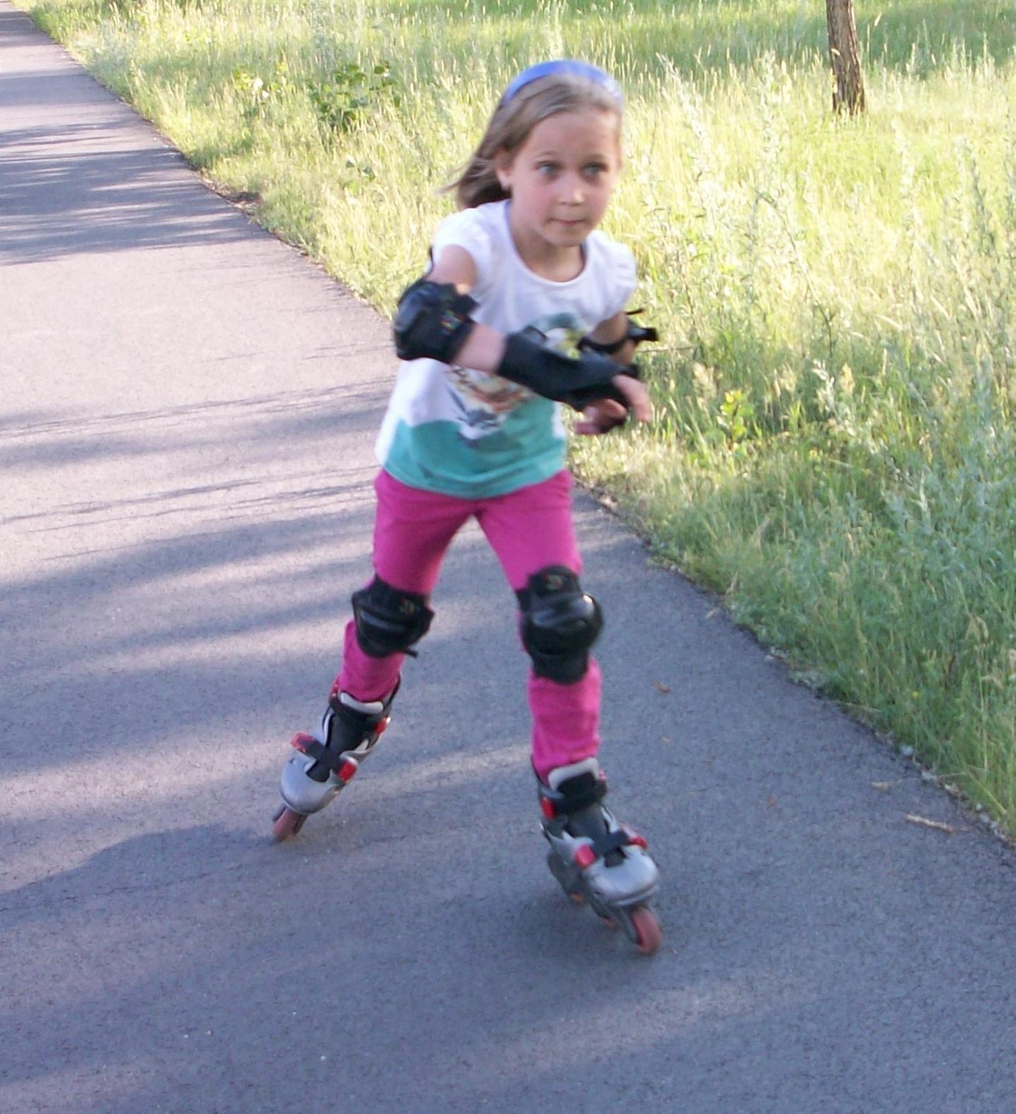 Как выбрать детский шлем для катания на роликах